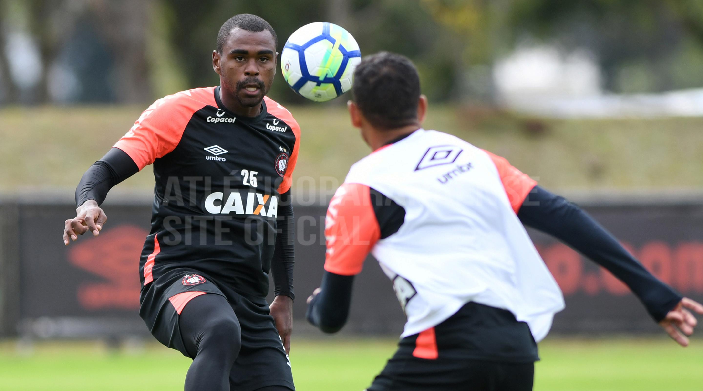 731aca0894334 Furacão fez o penúltimo treino para a sétima rodada do Campeonato Brasileiro