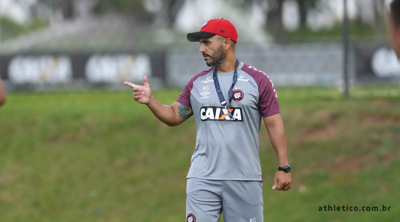 211d2deed4169 Rafael Guanaes será o técnico da equipe de Aspirantes do Athletico  Paranaense