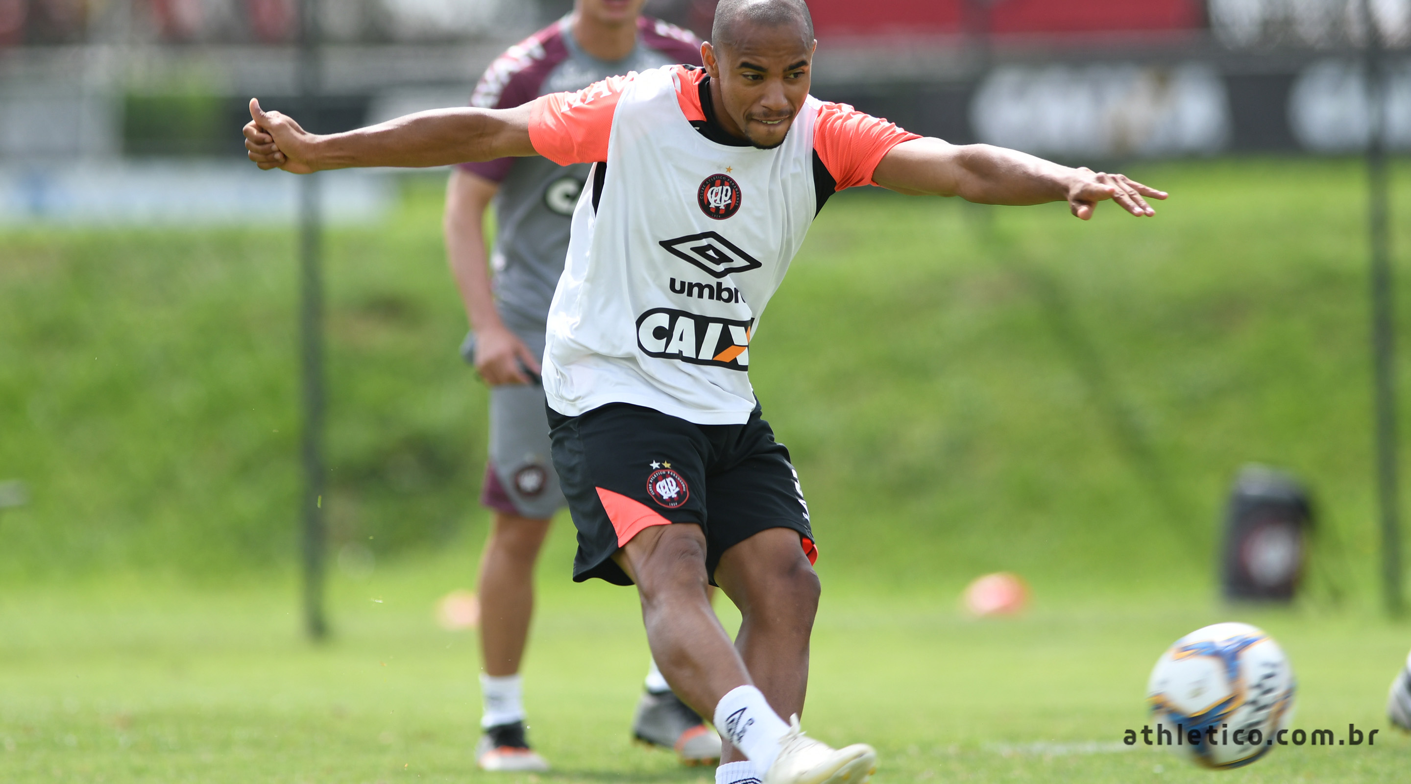 f07e742434 Athletico Paranaense – Site Oficial » Lateral Reginaldo integra a ...