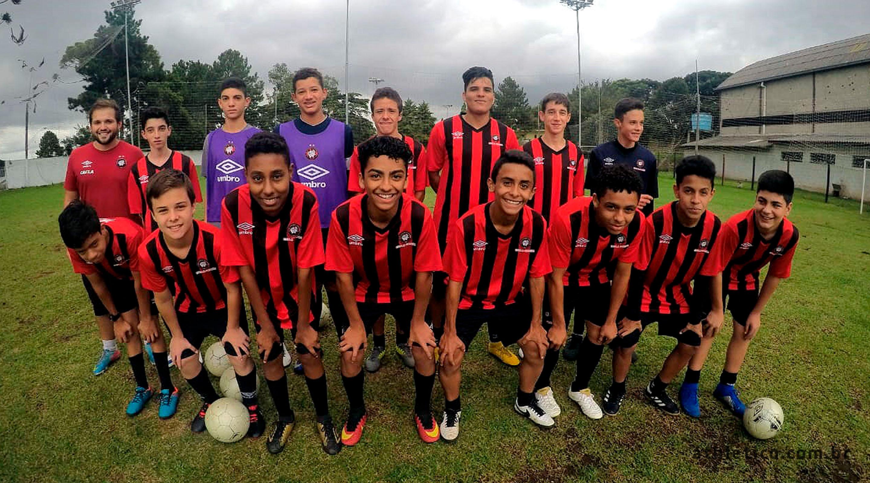 Athletico Paranaense – Site Oficial » Escola Furacão Pinhais recebe ... c62d7f94992c4